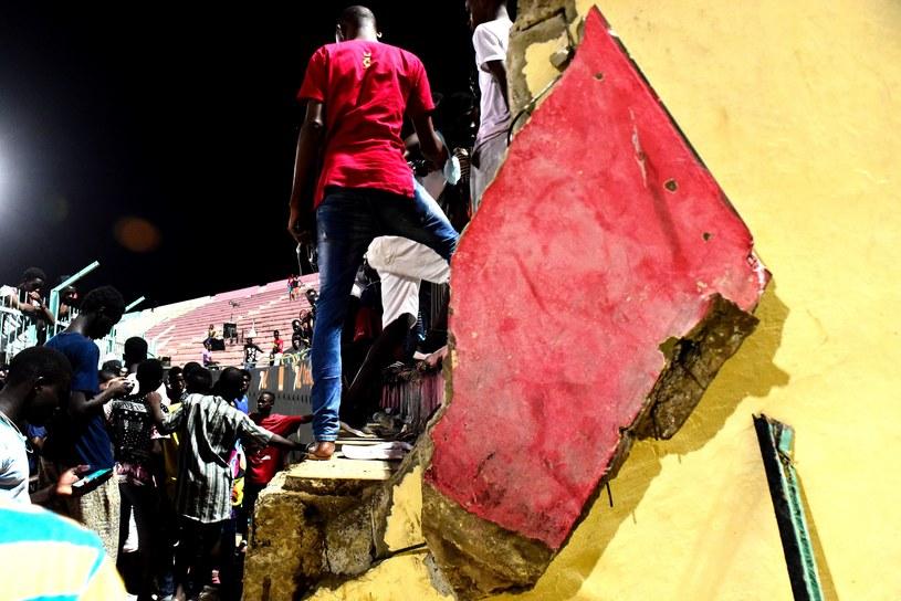 Wybuch paniki na stadionie w Dakarze /DIS SEN /AFP