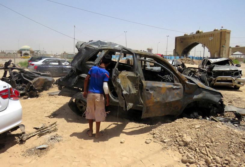 Wybuch samochodu pułapki w Bagdadzie /ALI ABBAS /PAP/EPA