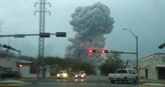 Wybuch w fabryce w Teksasie /Twitter /
