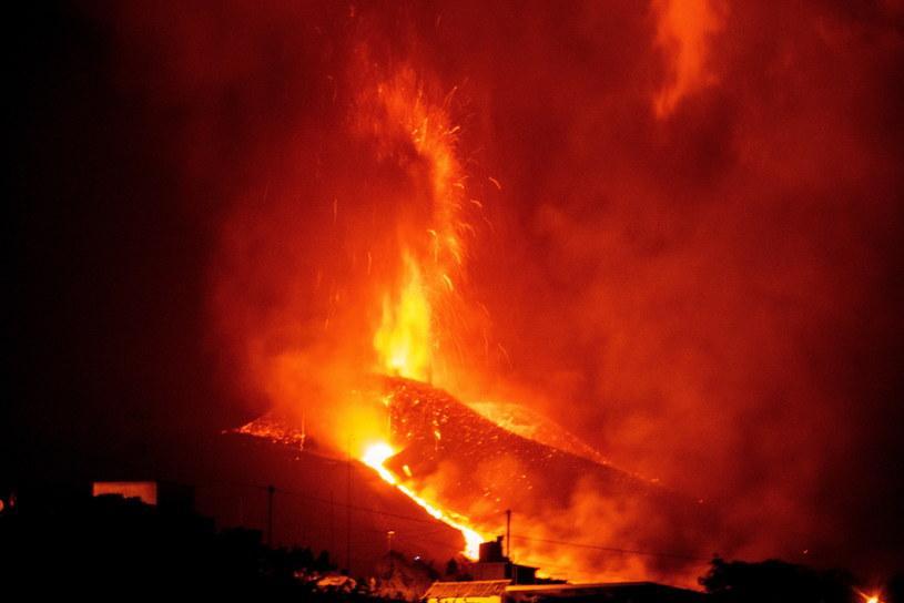 Wybuch wulkanu na wyspie La Palma /MIGUEL CALERO /PAP/EPA
