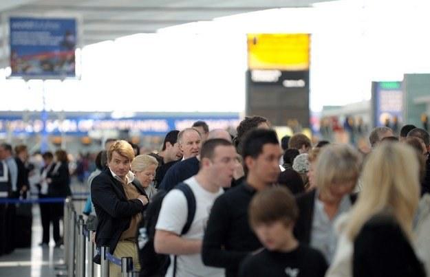 Wybuch wulkanu uderzył w linie lotnicze oraz branżę hotelarską /AFP