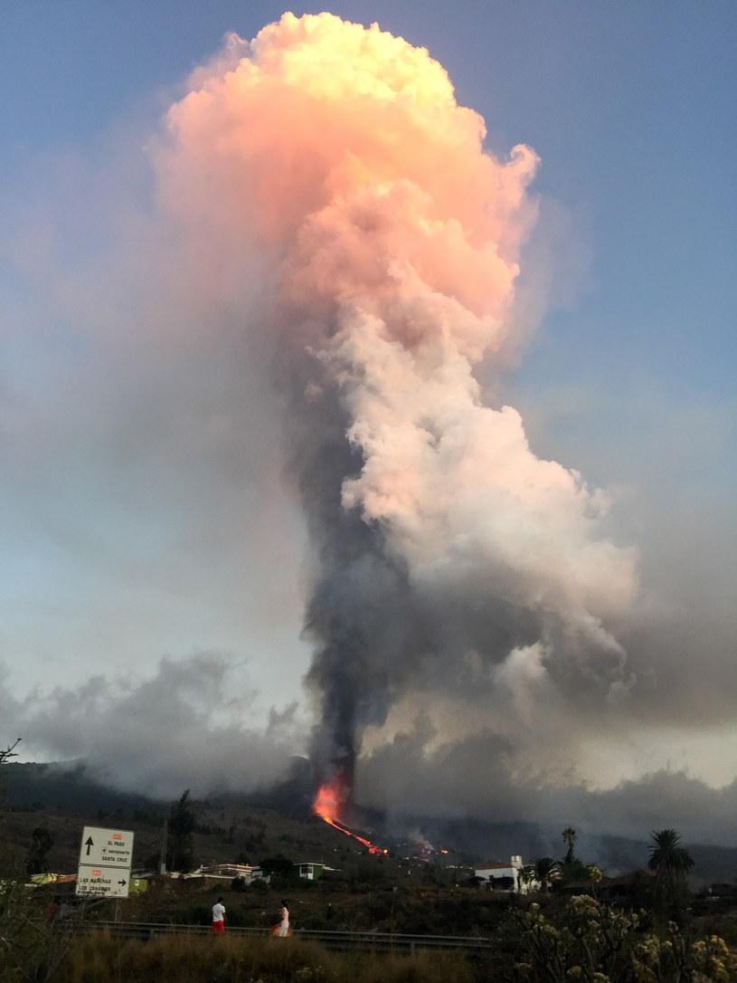 Wybuch wulkanu w miejscowości La Palma /EPA/Miguel Calero /PAP