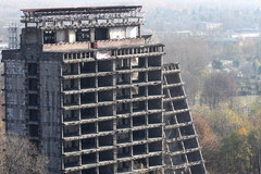 Wyburzanie szkieletora w Sosnowcu