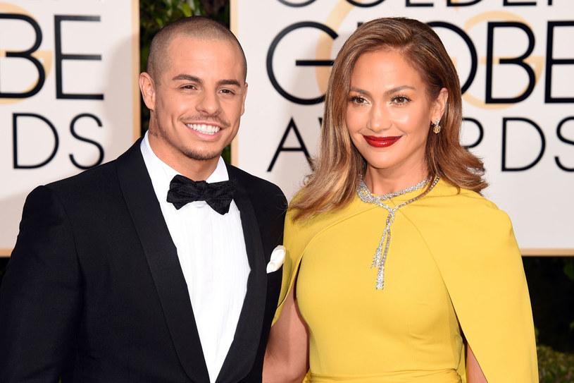Wychowano mnie w przekonaniu, że dziewczyna musi czekać, aż mężczyzna przyniesie jej szczęście. - mowi Jennifer Lopez /Getty Images