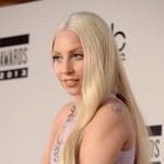Wychudzona Lady Gaga na spacerze