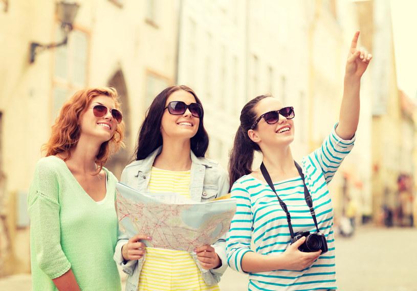 Wycieczki kupowane dużo wcześniej są nawet kilkadziesiąt procent tańsze niż normalne ofert /123RF/PICSEL