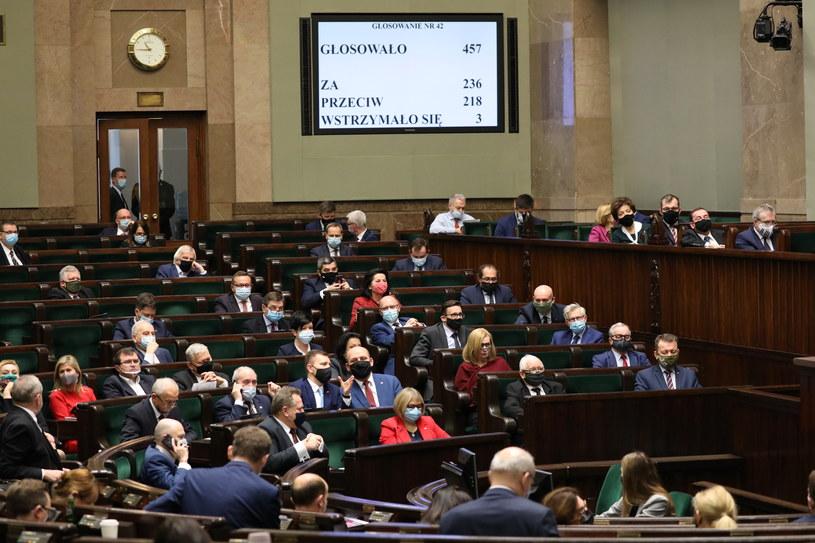 Wyciekły numery telefonów polityków PiS /flickr.com/sejmrp /INTERIA.PL