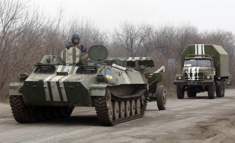Wycofanie z linii walk w Donbasie /AFP