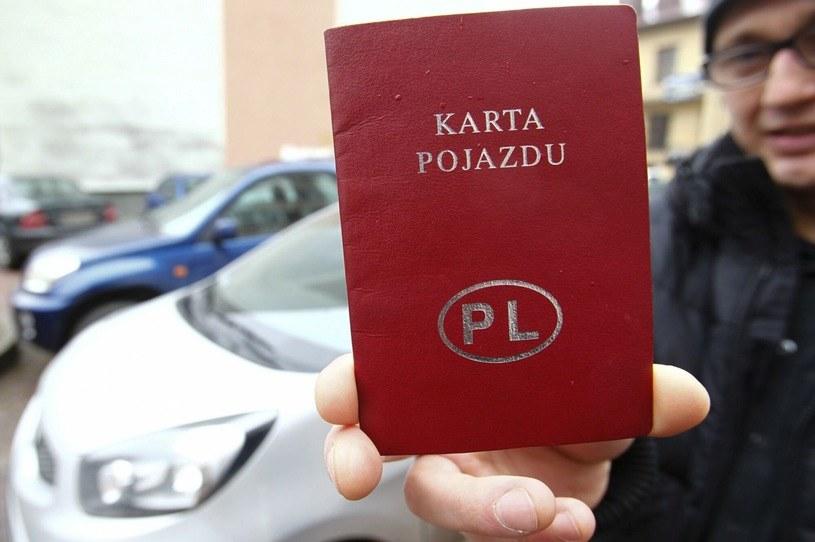 """Wycofanie z ruchu samochodu osobowego? W Polse wciąż """"nie ma opcji""""! /Krzysztof Lokaj / Polska Press /Agencja SE/East News"""
