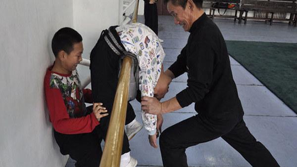 Wyczerpujące treningi to w Chinach norma /telecinco.es /INTERIA.PL