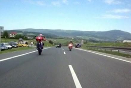 """Wyczyny """"motocyklistów"""" na zakopiance /"""