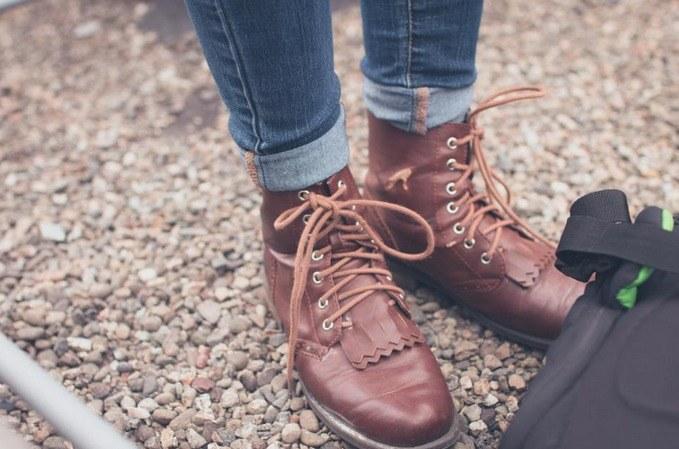 Wyczyść buty /© Photogenica