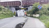 """""""Wydarzenia"""": Opole. Nie zmieścił się pod wiaduktem. Zniszczył nowego kampera"""
