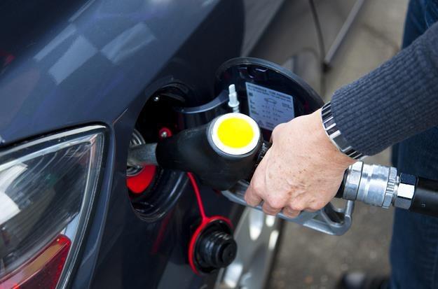 Wydatki na paliwo do samochodu osobowego wziętego w leasing operacyjny /© Panthermedia