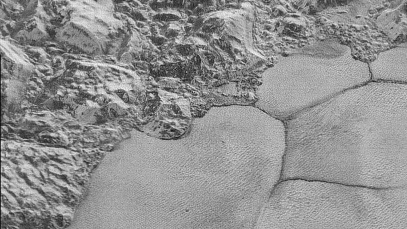 Wydmy na Plutonie są zbudowane z metanu - to niemal pewne /NASA