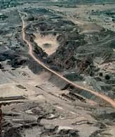 Wydobywanie srebra w New South Wales, Australia /Encyklopedia Internautica