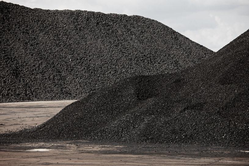Wydobywany w Polsce węgiel kamienny jest już o połowę droższy niż surowiec, jaki można kupić za granicą /123RF/PICSEL