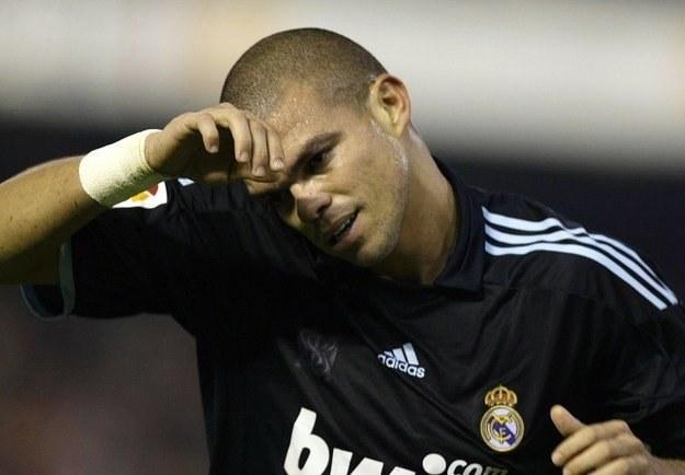 Wygląda na to, że Pepe najgorsze w karierze (kontuzja, jakiej doznał na Mestalla) ma już za sobą. /AFP