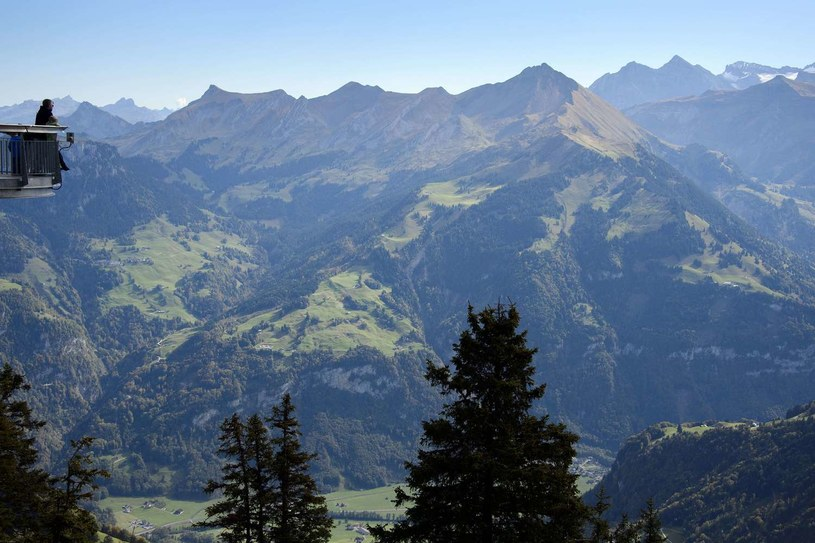 Wygląda na to, że turystyka górska to powrót do korzeni /AFP