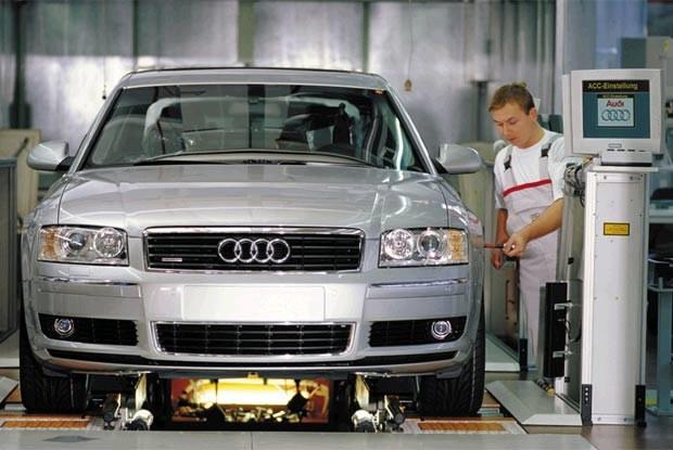 Wygląda na to, że właściciele nowych Audi A8 są częstymi gośćmi serwisów (kliknij) /INTERIA.PL