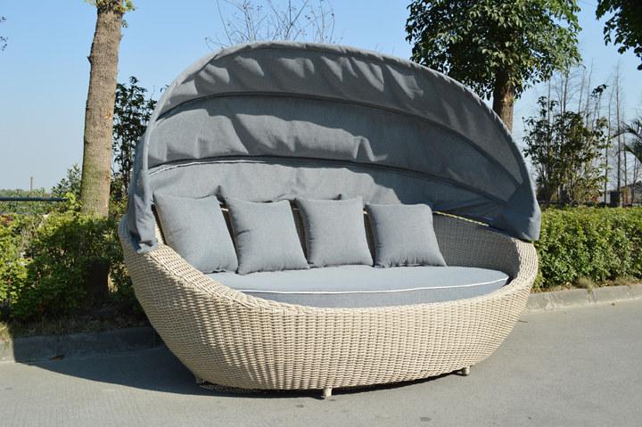Wygodna kanapa ogrodowa /materiały prasowe