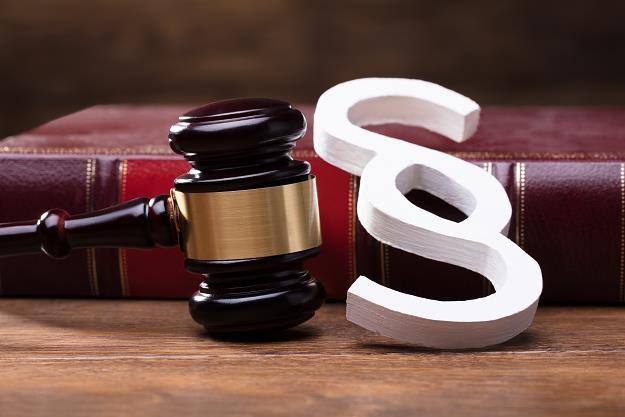 Wygrał w sądzie w obu instancjach, a i tak został dwukrotnie opodatkowany /©123RF/PICSEL