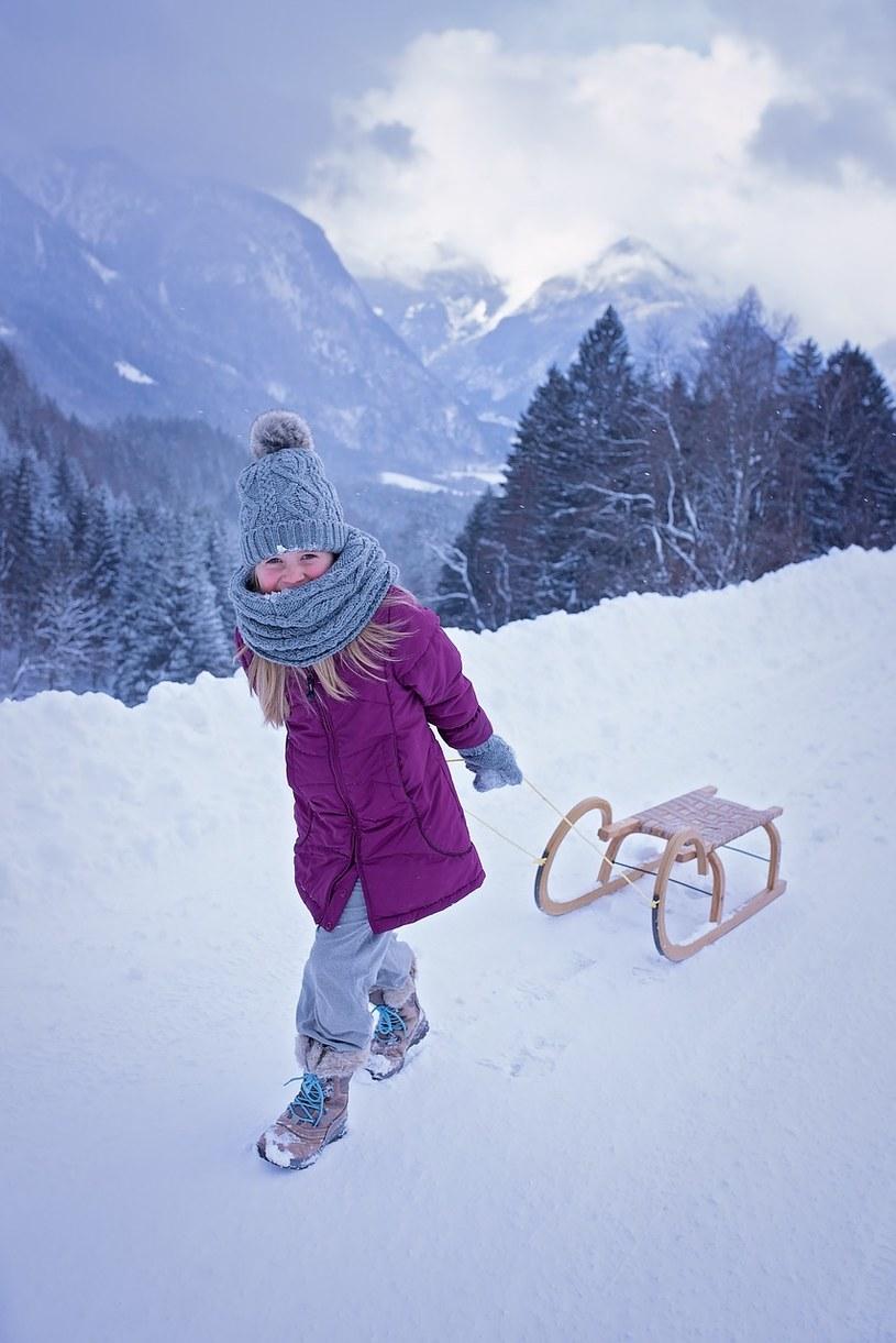 Wyjazd dziecka na ferie zimowe – jak się przygotować? /materiały prasowe