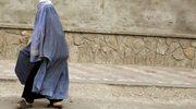 Wyjęła karabin spod burki i zaczęła strzelać. Tajemnicza napastniczka sieje postrach wśród ISIS