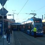 Wykolejenie tramwaju na rondzie Mogilskim w Krakowie