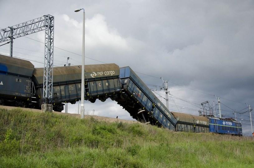 Wykolejony pociąg w Legnicy /Łukasz Korzeniowski /East News