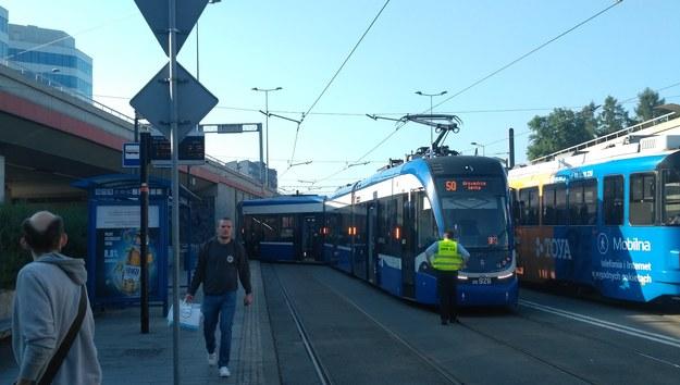 Wykolejony tramwaj na Rondzie Mogilskim /Gorąca Linia /Gorąca Linia RMF FM