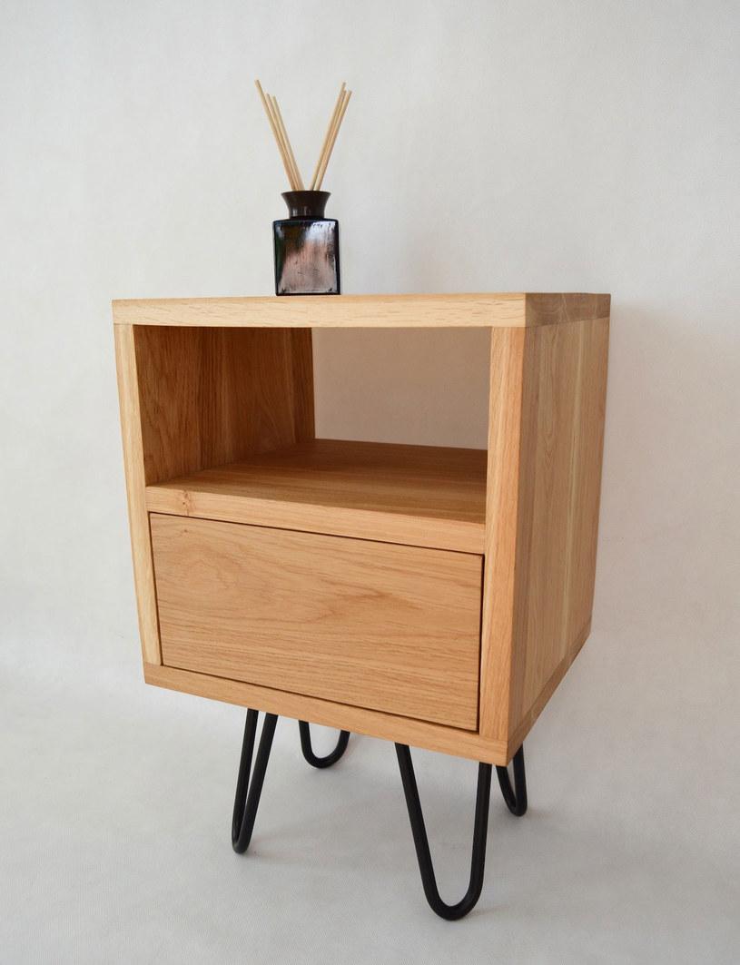 Wykonanie szafek z litego drewna wymaga dużej precyzji /Olga Skrzypiciel, Maalier /Styl.pl