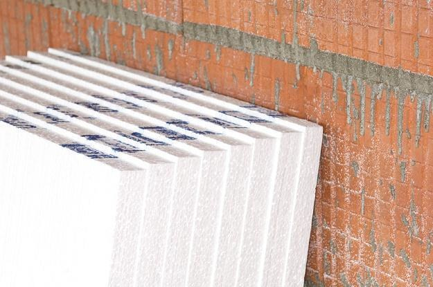 Wykonanie termoizolacji budynku wpływa na ograniczenie kosztów ogrzewania /© Panthermedia