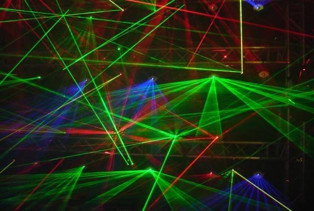 Wykorzystanie fotonów pozwoliłoby na błyskawiczne obliczanie i przetwarzanie danych /stock.xchng