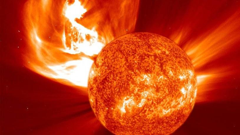 Wykryto rozbłysk 10 miliardów razy silniejszy od najpotężniejszych rozbłysków na Słońcu /Geekweek