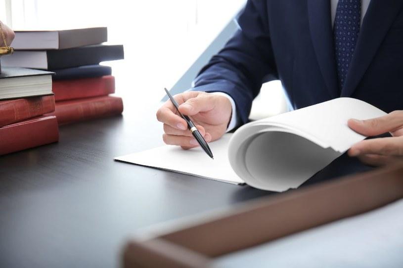 Wymagany jest akt notarialny /©123RF/PICSEL