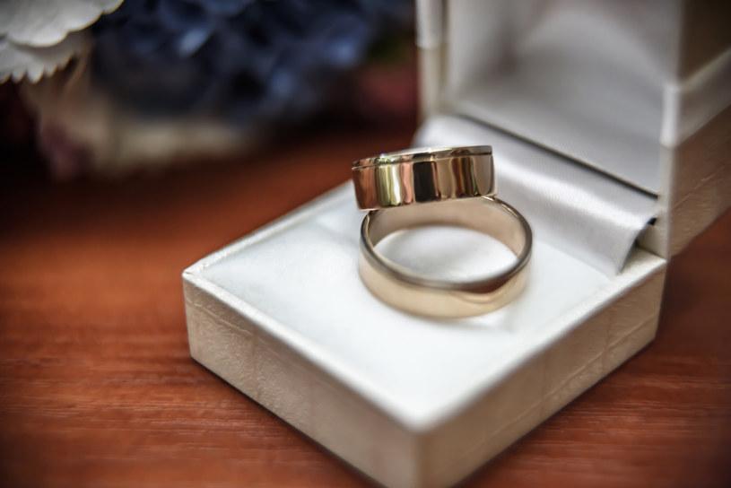 Wymarzona obrączka ślubna - czy musi być droga /materiał zewnętrzny