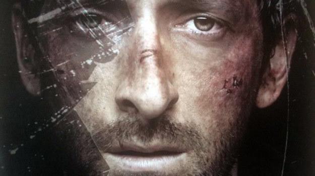 """Wymęczony Adrien Brody na plakacie filmu """"Wrecked"""" /materiały dystrybutora"""