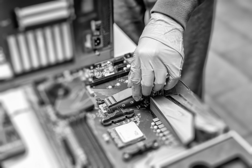 Wymiana dysku na SSD /123RF/PICSEL
