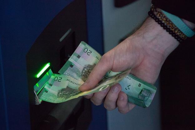 Wymiana waluty w internecie - czy to się opłaca? Fot. David Ryder /Getty Images/Flash Press Media