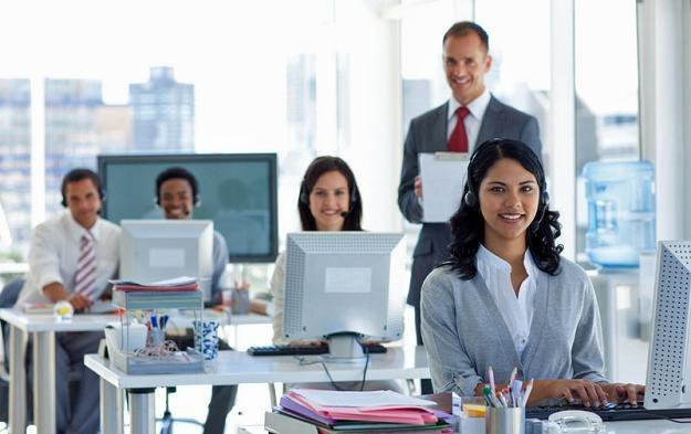 Wynagrodzenia pracowników rozpoczynających karierę są na (relatywnie) zbliżonym poziomie /© Panthermedia