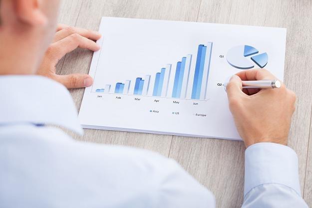 Wynagrodzenia w firmach wzrosły w styczniu o 4,8% r/r wobec 3,7% w grudniu /©123RF/PICSEL