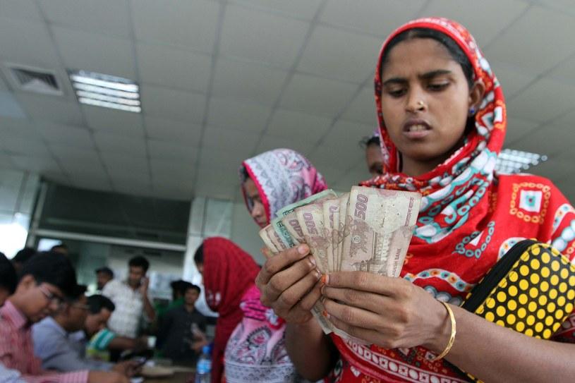 Wynagrodzenie pracowników fabryk odzieżowych nie wystarcza nawet na zaspokojenie podstaw egzystencji /Palash Khan /East News