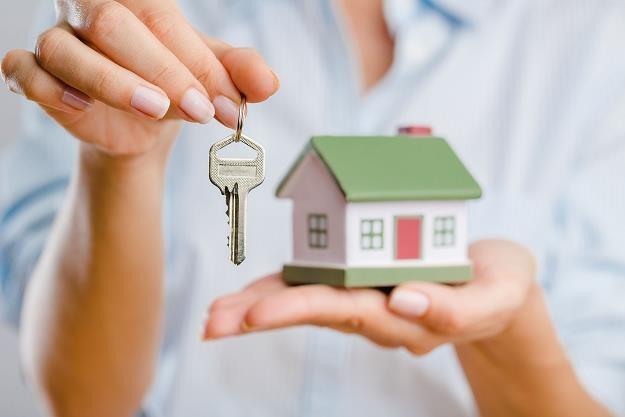 Wynajmowanie mieszkania wciąż jest bardzo opłacalne /©123RF/PICSEL