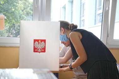 Wyniki I tury wyborów prezydenckich 2020: Jak głosowały kobiety, jak głosowali mężczyźni? [EXIT POLL]
