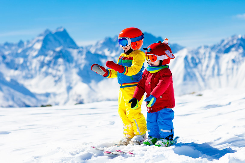 Wypad narciarski to najpopularniejsza alternatywa dla wigilii spędzonej w domu /123RF/PICSEL