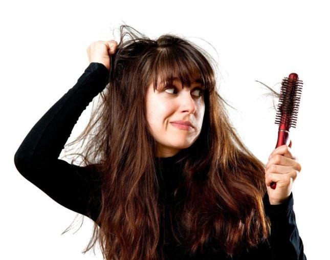 Wypadanie włosów a stres /© Photogenica