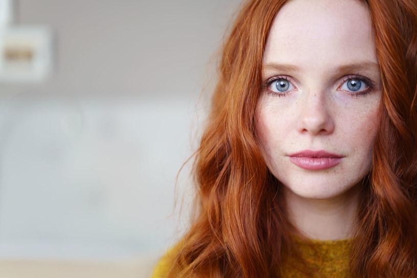 Wypadanie włosów najczęściej wiąże się z zaburzeniami hormonalnymi /123RF/PICSEL