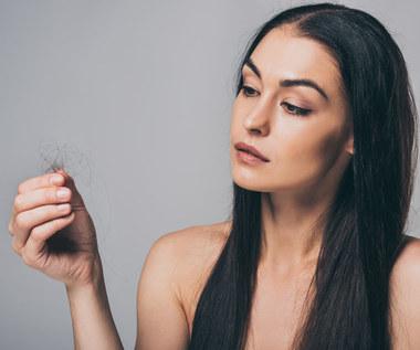 Wypadanie włosów. Przyczyny i leczenie
