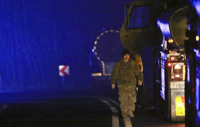 Wypadek amerykańskiej ciężarówki /PIOTR JEDZURA/REPORTER /East News